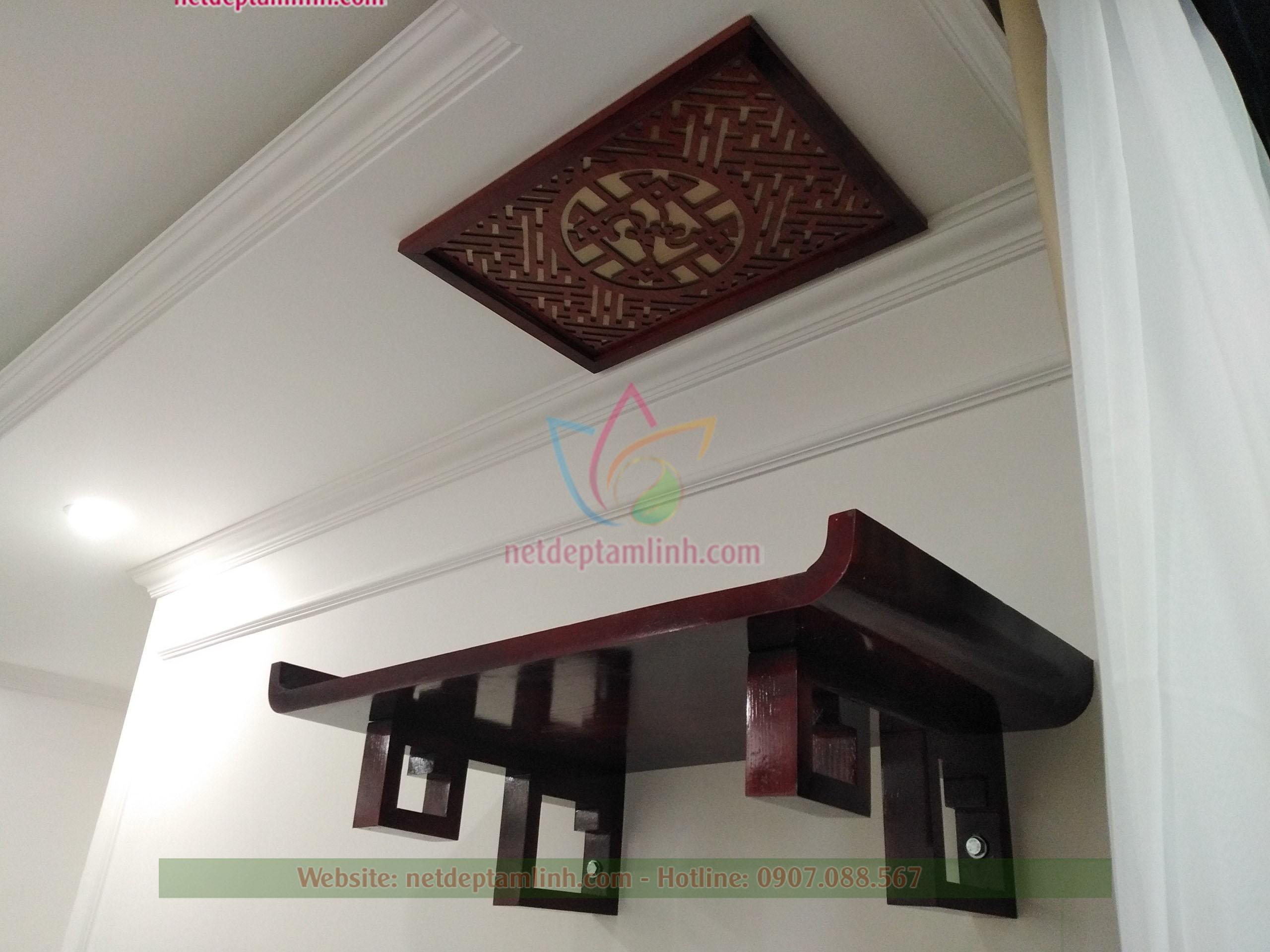 bàn thờ teo tường