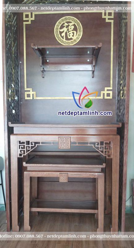 Sự kết hợp giữa bàn thờ đứng BTD 1501 và trang thờ giúp tiết kiệm tối đa khoảng không gian nhà bạn