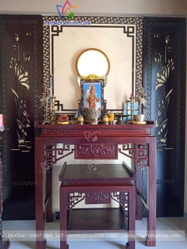 Mẫu bàn thờ mẹ Quan Âm đứng dành cho gia đình có không gian thờ cúng riêng