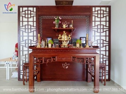 Chiều cao đặt bàn thờ còn phụ thuộc vào không gian kiến trúc của mỗi nhà mà có cách bố trí khác nhau