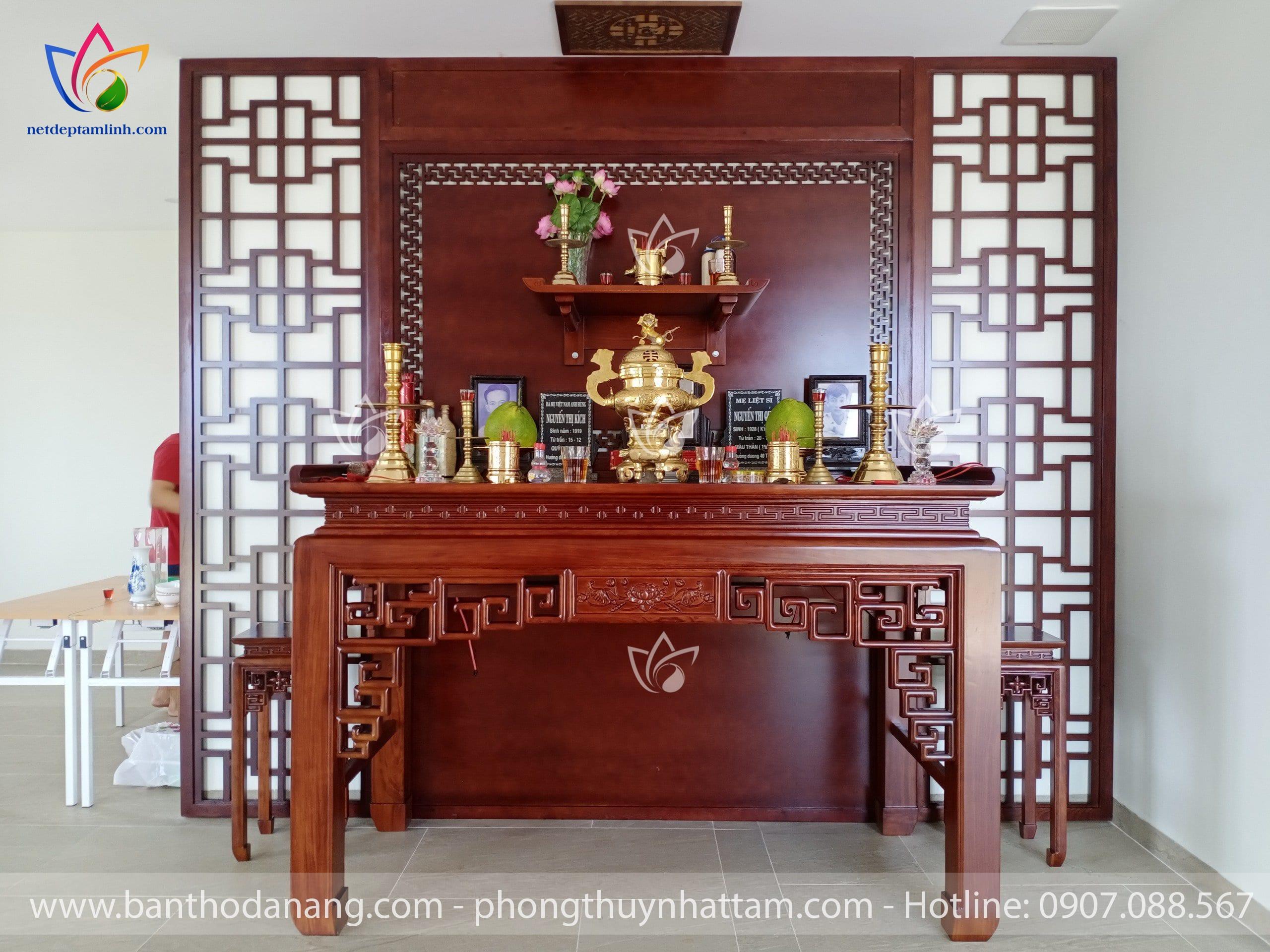 Bàn thờ đứng kết hợp bàn thờ treo tường cho một biệt thự ở Hòa Xuân, TP Đà Nẵng