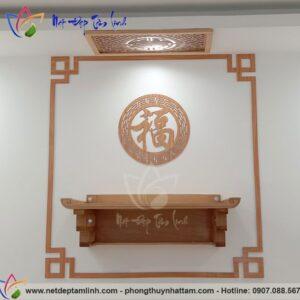 Mẫu bàn thờ chung cư kết hợp viền trang trí