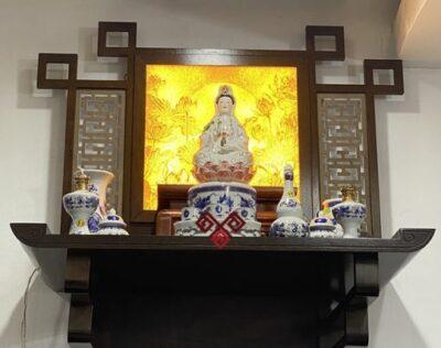 Bàn thờ Phật Bà Quan Âm treo tường
