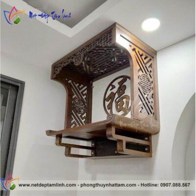Bàn thờ treo tường chung cư tạo nên một không gian thờ cúng thu nhỏ đầy tâm linh